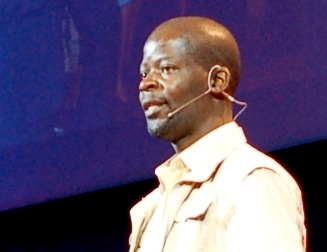 Quelle: http://commons.wikimedia.org/wiki/File:James_Shikwati_at_TEDGlobal_2007_detail.jpg